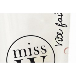 Miss W Base Make Up